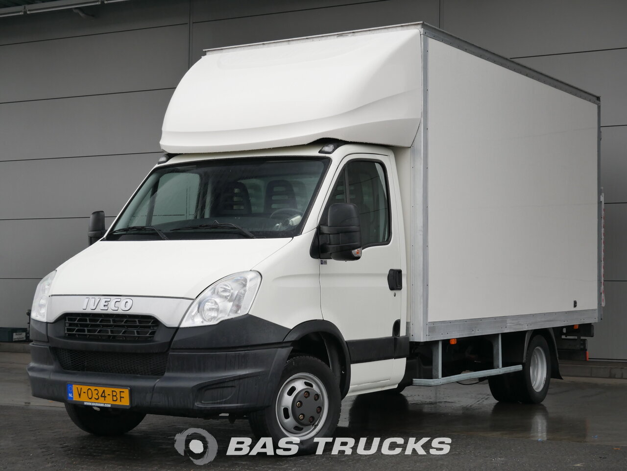 03a83913acac6e photo of Used Light commercial vehicle IVECO Daily 2012