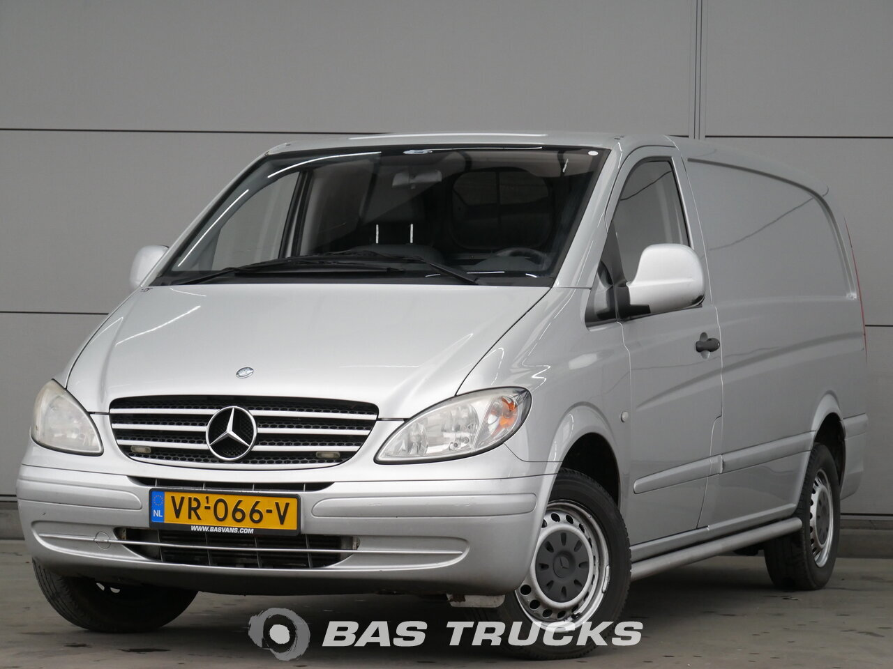 1192e17b96053c photo of Used Light commercial vehicle Mercedes Vito 2005